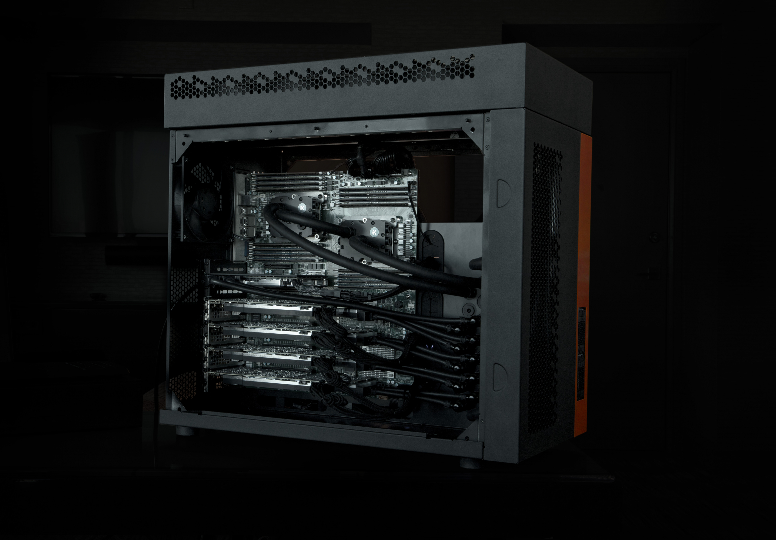Cubix EK workstation liquid cooled