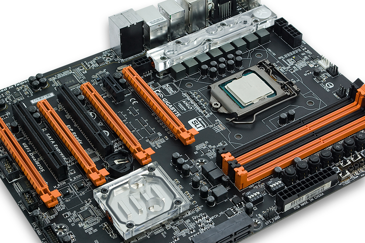 EK launches GIGABYTE® Z97X-SOC Force water cooling solution
